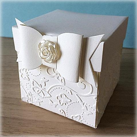 Bomboniera Matrimonio scatolina cubica avorio fiocco e rosa madreperla 2
