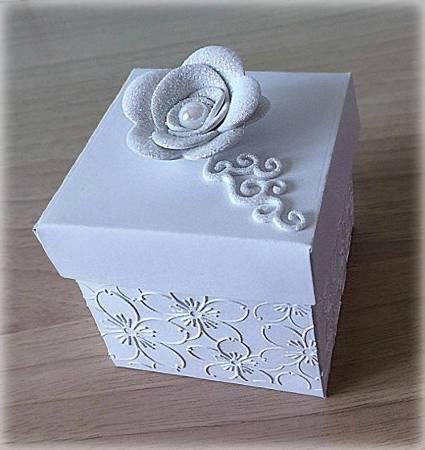 Bomboniera Matrimonio scatolina cubica bianca con rosa glitter 3