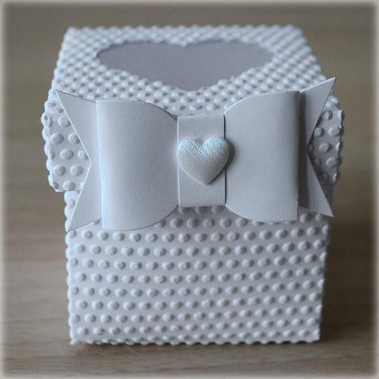 Bomboniera Matrimonio scatolina cubica bianca cuore traforato 1