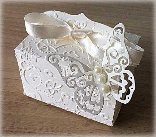 Bomboniera Matrimonio scatolina rettangolare avorio con farfalla 2