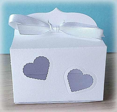 Bomboniera Matrimonio scatolina rettangolare bianca cuori traforati 1