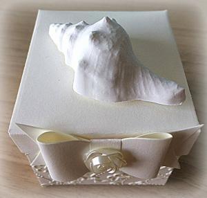 Bomboniera Matrimonio scatolina cubica avorio conchiglia in ceramica 4