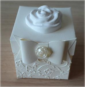 Bomboniera Matrimonio scatolina cubica avorio rosa in ceramica 3