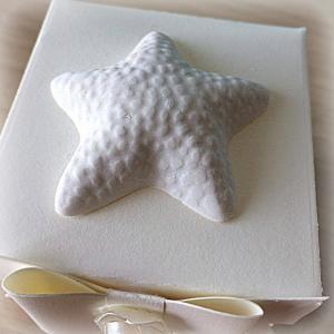 Bomboniera Matrimonio scatolina cubica avorio stella marina in ceramica 1
