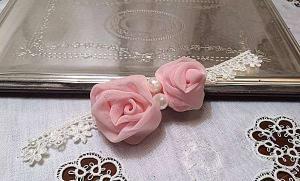 Bracciale da Damigella o cerimonia in pizzo con rose di chiffon 05