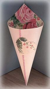 Cono portariso carta rose rosa 1