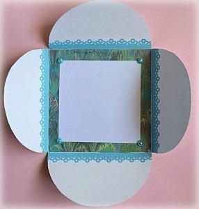 Partecipazione Matrimonio tema marino, con cavalluccio marino, nastro di raso azzurro, cordonicno e perla, all'interno carta con fantasia di onde 1