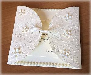 Partecipazione di matrimonio elegante con fiorellini 1