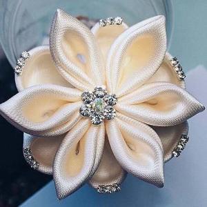 accessorio per capelli da sposa per matrimonio fiore bianco con cristalli 01