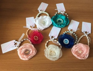bracciali a peonia di tutti i colori - accessori da cerimonia