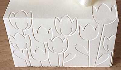 rilievo personalizzato per portaconfetti a tulipani